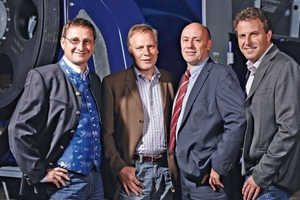 CEO DI Manuel Lindner (left) with the new authorized representatives