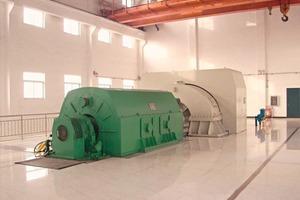 """<span class=""""bildunterschrift_hervorgehoben"""">8</span>18 MW steam turbine with generator"""