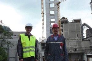 "<span class=""bildunterschrift_hervorgehoben"">1</span>Daniele Sabadelli (left) and Klaus Czepl in front of the construction site<br />"