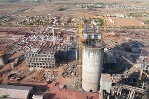 """<span class=""""bildunterschrift_hervorgehoben"""">20</span>Construction of Grasim's Tatpatri cement factory (Loesche)<br />"""