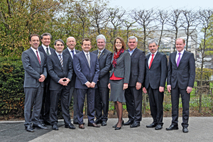"<div class=""bildunterschrift_en"">The new IWM committee (l. to r.): Peter Hartmann, Ludwig Soukup (Deputy Chairman), Alexis Pimpachiridis, Peter Bednarek, Michael Gieding (Deputy Chairman), Dr. Andreas Weier (Deputy Chairman), Heike Horn, Reimund Zeilnhofer, Dr. Hans-Joachim Riechers (MD), Carsten Beier. Not on the photograph: Peter Sarantis (Chairman), Prof. Hans-Ulrich Hummel, Bruno Reisch (Deputy Chairman)</div>"