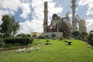 """<div class=""""bildtext_en"""">9 Cemex cement plant in Nicaragua</div>"""