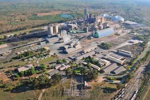 """<span class=""""bildunterschrift_hervorgehoben"""">18</span>Lichtenburg cement factory in South Africa (Lafarge)<br />"""