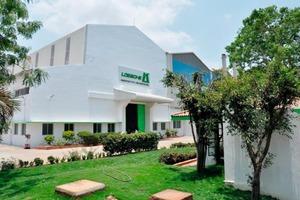 "<div class=""bildtext_en"">The Loesche workshop in Chennai/India</div>"