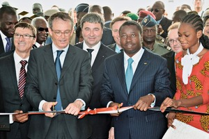 "<div class=""bildtext_en"">Ribbon cutting ceremony clinker plant Scantogo, Togo: Jean-Marc Junon, COO HeidelbergCement Africa; Dr. Bernd Scheifele, CEO HeidelbergCement; Daniel Gauthier, member of Managing Board HeidelbergCement; Faure Gnassingbé, President of the Republic of Togo (from left to right)</div>"
