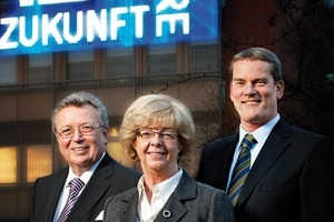 The 4<sup>th</sup>&nbsp;generation partners Dr Reinhold Festge, Susanne Festge and Walter Haver (from the left) in front of the modern IMAGIC WEAVE<sup>®</sup> façade