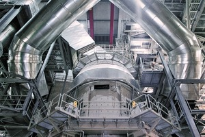 """<div class=""""bildtext_en"""">Integrated Condition Monitoring can help increase the availability of vertical mills (in the picture with vertical mill with Flender EMPP drive)</div>"""