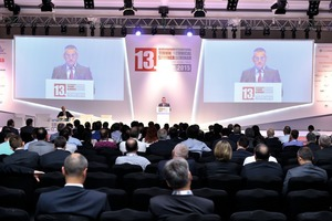 "<div class=""bildtext_en"">2 M. Şefik Tüzün, Chairman of the Board of the Turkish Cement Manufacturers' Association in his speech of welcome</div>"