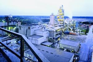 """<div class=""""bildunterschrift_en""""><span class=""""bu_ziffer_blau"""">9</span> Harleyville cement plant </div>"""