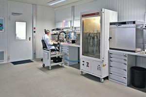 "<div class=""bildtext_en"">Liebherr sensor production <br />in Bad Schussenried/Germany</div>"