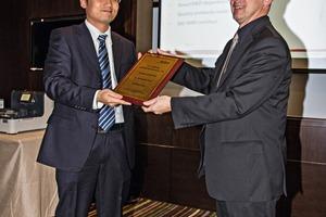 Li Xiao, Geschäftsführer Fritsch Beijing Scientific Instruments und Wolfgang Simon, Vertriebsleiter, Fritsch Idar-Oberstein