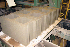 "<div class=""bildtext_en"">Concrete blocks made of newly created cementitious materials</div>"