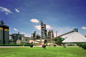 """<div class=""""bildtext_en"""">11 Campo Formoso cement plant</div>"""
