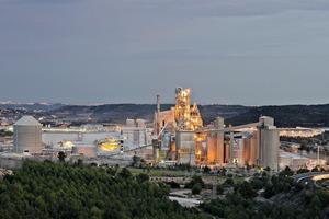 "<div class=""bildtext_en"">11 Bunol cement plant</div>"