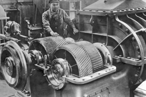 "<div class=""bildtext_en"">6 In the early 1930s, Aerzener Maschinenfabrik concentrated on the production of positive displacement blower</div>"
