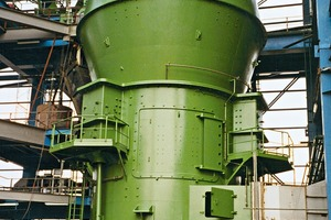 The new vertical roller mill MPS 4750 B for the Malayan YTL group