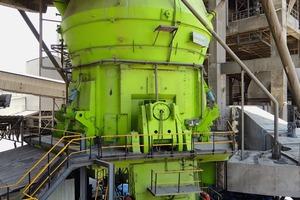 """<div class=""""bildtext_en"""">Similar mill type LM 63.3+3 C, Nallalingayapalli/India</div>"""