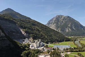 "<div class=""bildtext_en"">1 The lime works in Golling/Austria</div>"