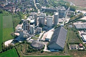 1 The Höver cement plant • Zementwerk Höver<br />