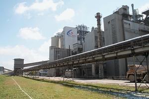 """<span class=""""bildunterschrift_hervorgehoben"""">1</span>Warta cement works near the small town of Trębaczew/Poland • Zementwerk Warta nahe der Ortschaft Trębaczew/Polen<br />"""