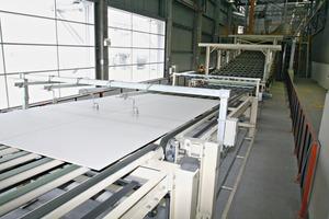 """<div class=""""bildunterschrift_en""""><span class=""""bu_ziffer_blau"""">2</span> Processing of plasterboard panels</div>"""