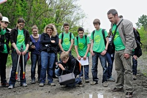 """<span class=""""bu_ziffer_blau"""">2</span> The """"Valuable and endangered biotopes"""" school-pupils' project at the Nussloch quarry, submitted by the Leibniz Grammar School, Östringen. The project stood out, in particular, thanks to its excellent educational concept"""