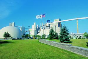 "<div class=""bildtext_en"">Alpena cement plant in the USA</div>"