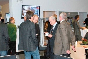 "<span class=""bildunterschrift_hervorgehoben"">1</span>Technical discussions at the Eberhardt corporate anniversary"