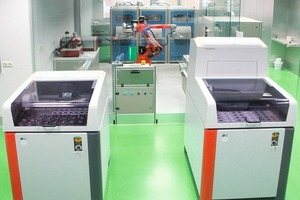 "<div class=""bildunterschrift_en""><span class=""bu_ziffer_blau"">5</span> The laboratory automation system in the plant laboratory at Lengfurt consists of a pneumatic post terminal, a sample dividing system, two automatic pulverisers and a tablet press</div>"