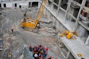 "<span class=""bildunterschrift_hervorgehoben"">1</span>Laying of the foundation stone at the factory<br />"