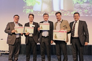 """<div class=""""bildtext_en"""">1 From left to right: The entrants Claudio Fedalto (Mondi Industrial Bags), Mark vander Merwe (BillerudKorsnäs) and Olivier Tassel (Gascogne Sacs) with the winner Wilhelm Dyckerhoff (dy-pack) and Eurosac President Luis Elorriaga</div>"""