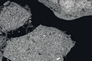 "<div class=""bildtext_en"">1 a and b SEM (­Scanning Electronic Microscope) images of a typical additive consisting of encapsulated antimony compound. 1 a shows a 130 times magnification: particles dimension is around 500 µm. 1 b shows a much higher magnification (4000 times)</div>"