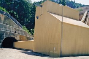 "<div class=""bildtext_en"">8 Transfer station and upper tunnel entrance</div>"